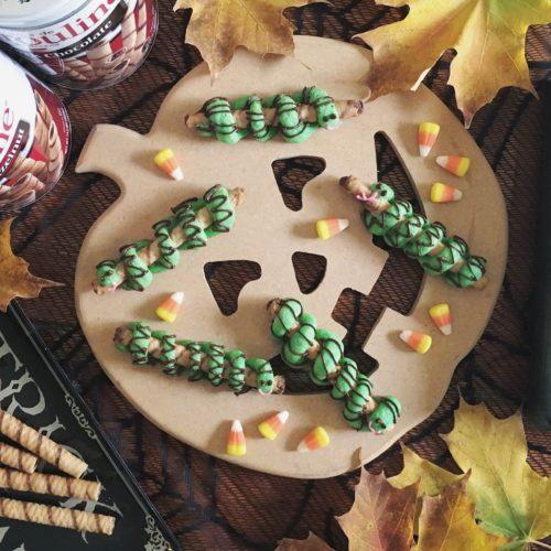 Pirouline Snake Cookies